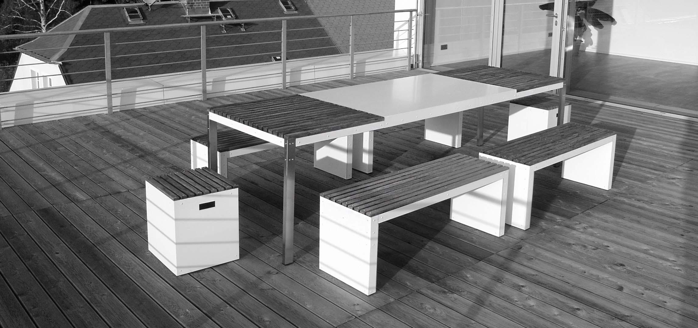Design Tisch Sealine Nummer 2 aus Holz Metall Teak by Sebastian Bohry timeless design