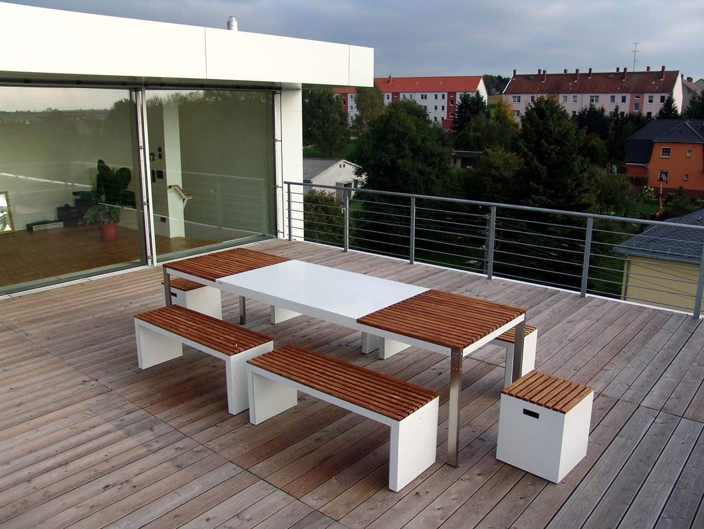 Design Tisch Sealine Nummer 2 aus Metall Holz Edelstahl by Sebastian Bohry timeless design
