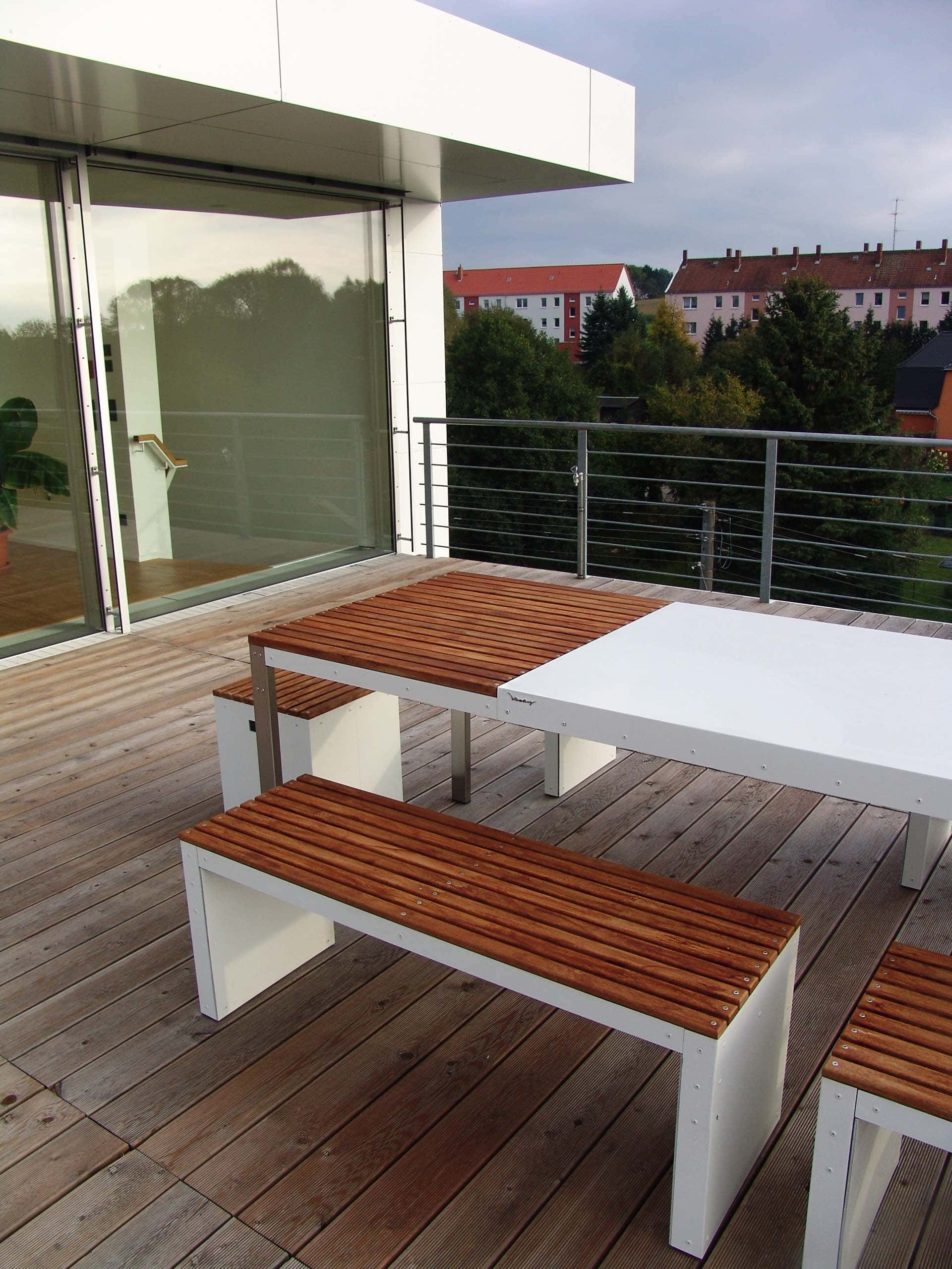 Design Tisch Sealine Nummer 2 aus Holz Edel-Stahl by Sebastian Bohry