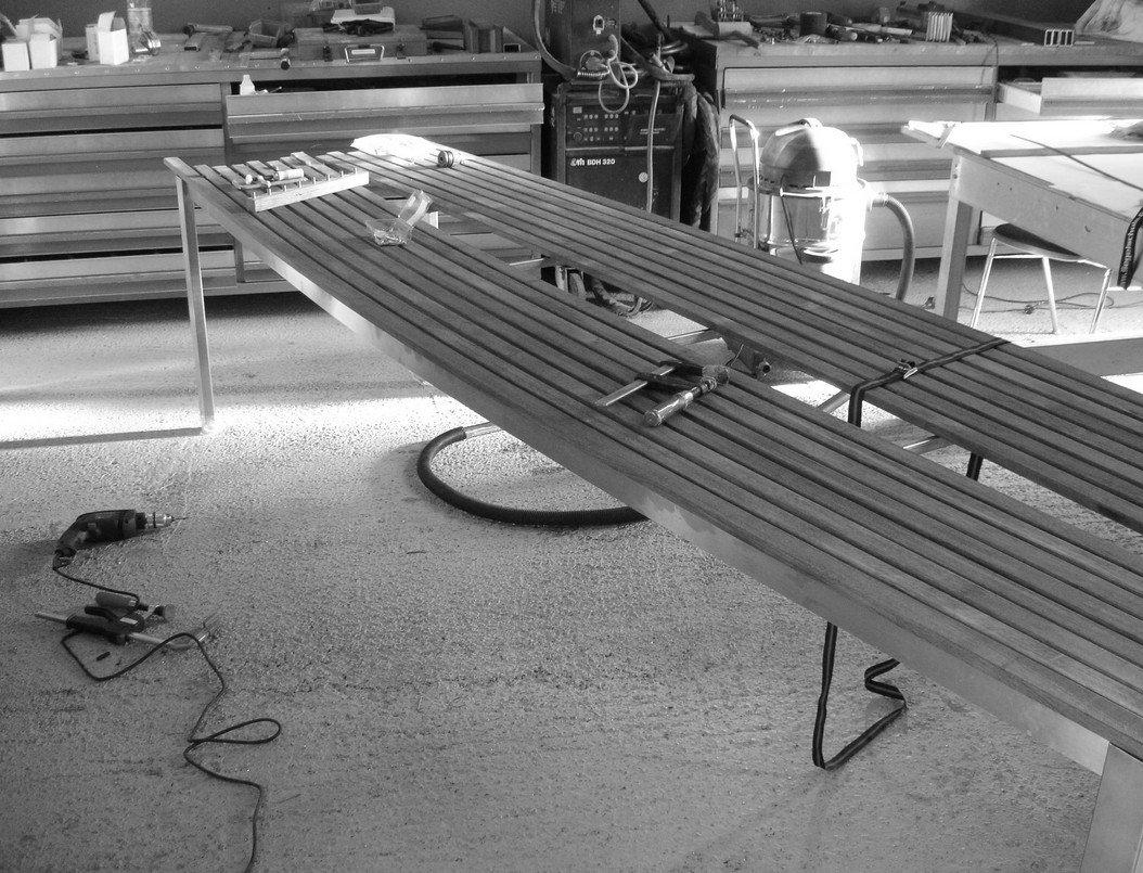 Design Tisch Herstellung Werkstatt schwarz weiß Sebastian Bohry