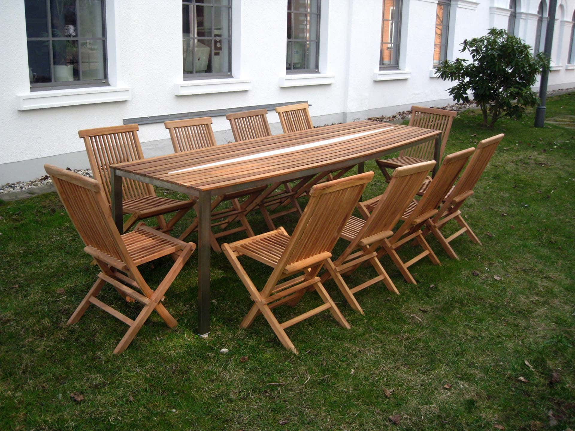 Design Tisch Sealine Nummer 3 aus Metall Holz by Sebastian Bohry timeless design