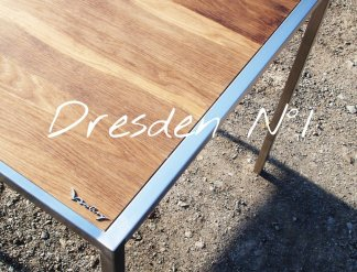 Design Tisch Dresden Nummer 1 aus Metall Holz by Sebastian Bohry timeless design